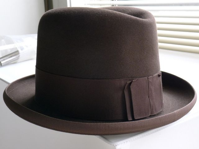 Saks & Co Back-bow Homburg, ca. 1923