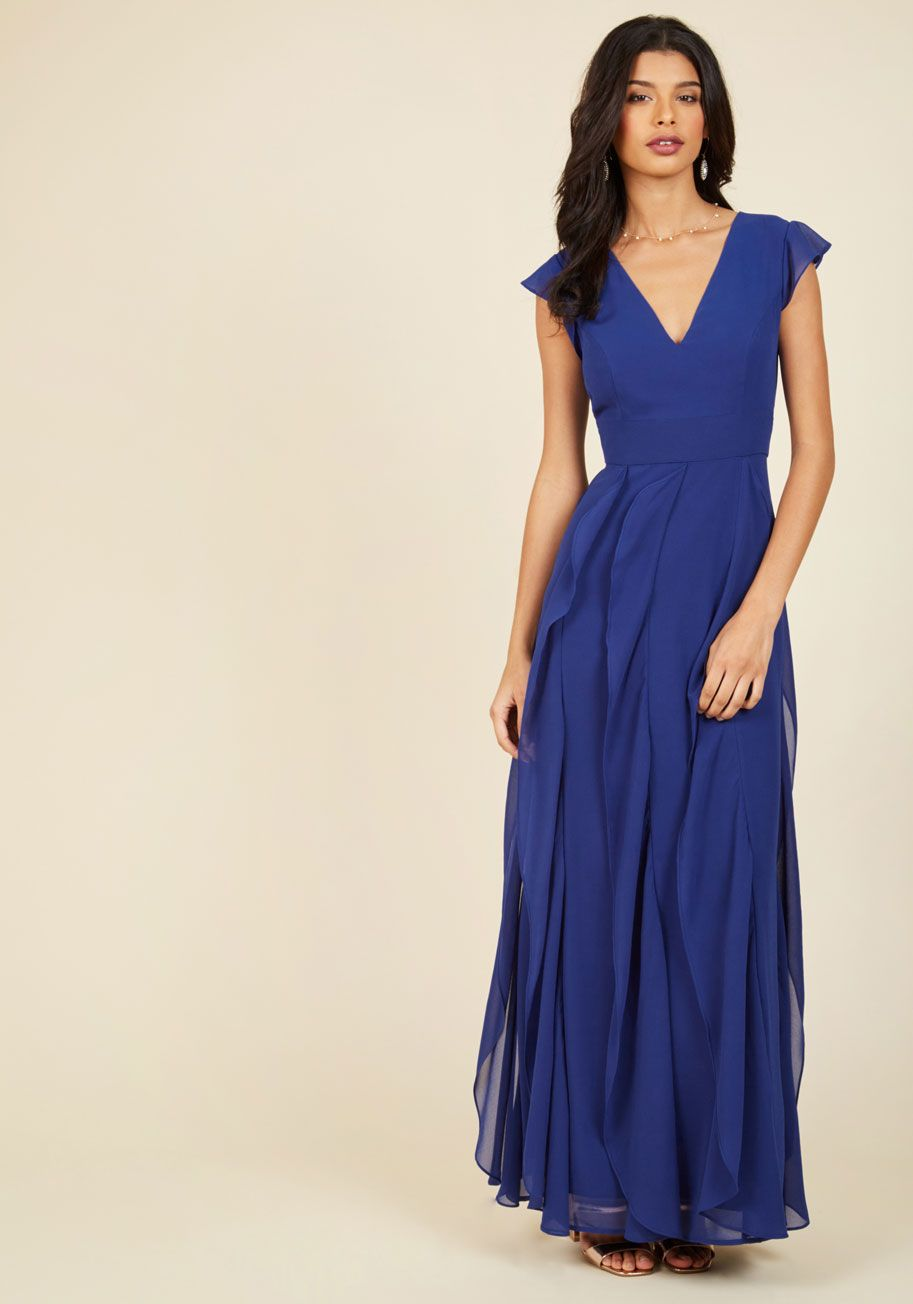 Chi chi london exquisite elegance lace dress in lake modcloth