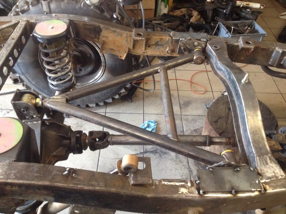 Upper link is a wishbone with johnny joint and uaz bushing ...