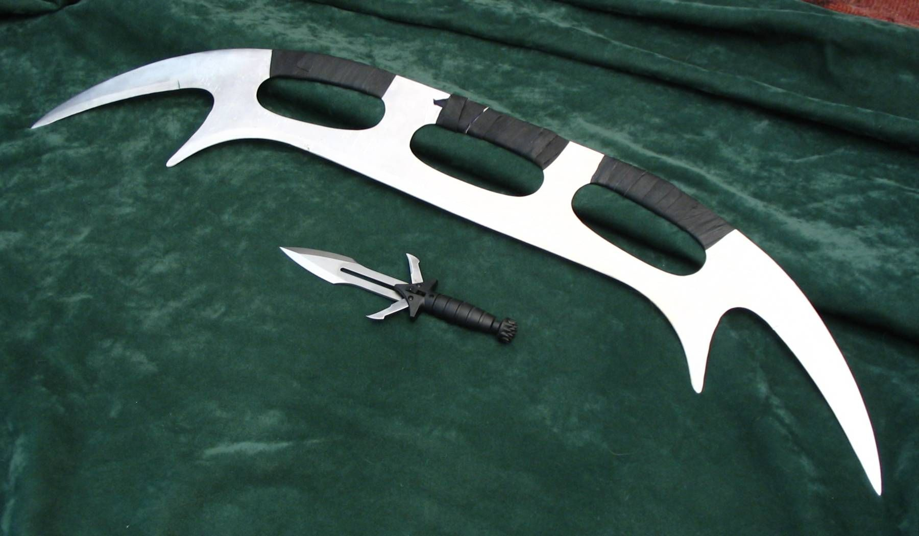 Klingon Bat'leth - I want to get a little one tattooed on my ...