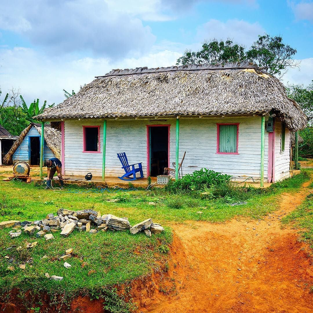 Pastel colored farmhouse in the rural village of Viñales