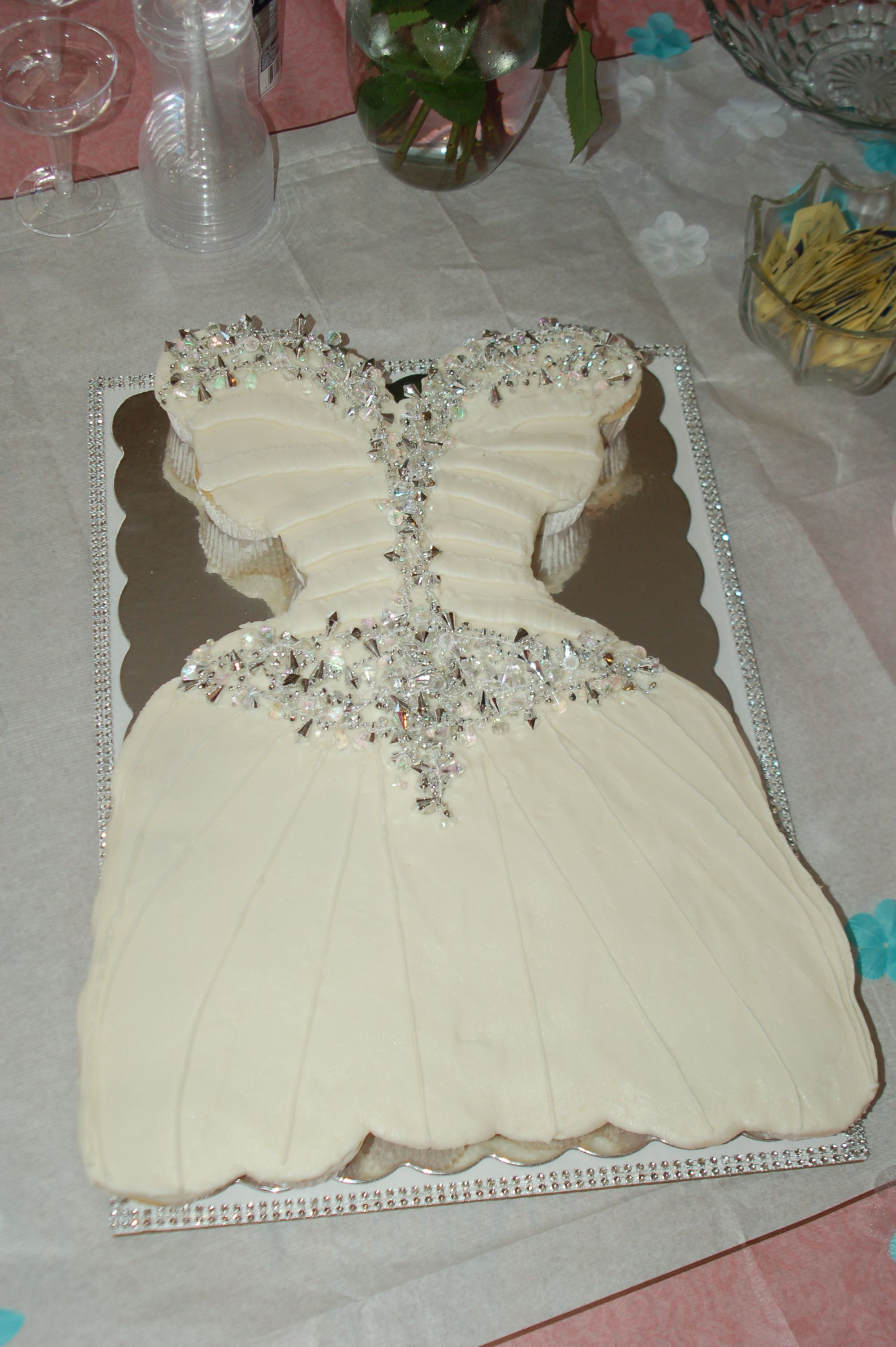 wedding dress cake that matches bride 39 s dress bridal shower cake