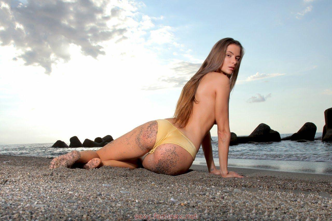 do-girls-like-being-naked-brenda-song-nude-naked