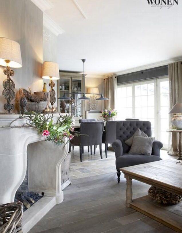 Neutrals mantel lamps sophisticated clean livingroom - Wohnzimmer romantisch einrichten ...