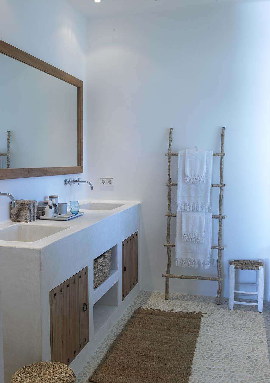 Ba o con lavabo obra mamposter a y revoque liso pintado for Lavabo de obra para bano