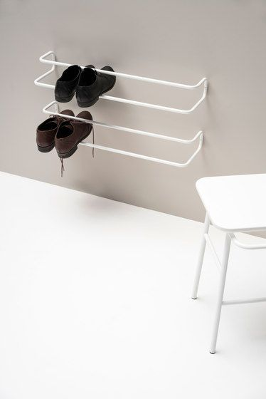Take off your shoes and jackets | Architonic