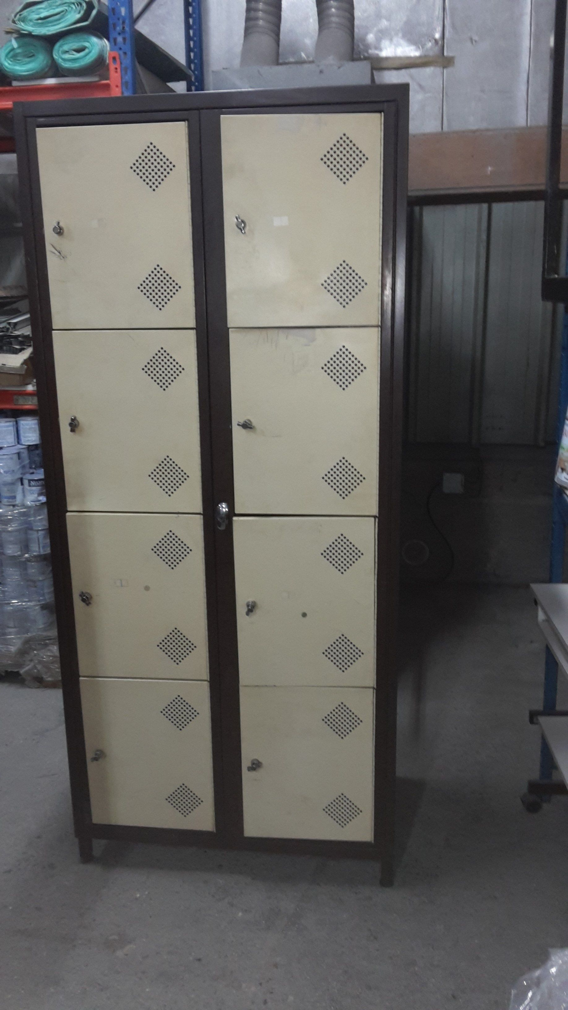 Armoire Metallique D Occasion Armoire Metallique D Occasion Armoire Metallique D Occasion En Belgique 75 Annonces Tectake Armo Locker Storage Storage Lockers
