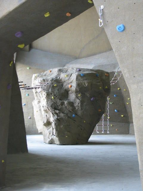 Custom Rock Climbing Boulders For Playgrounds Courtyards Colleges Parks Rock Climbing Gym Rock Climbing Wall Bouldering