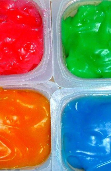 homemade FINGER paint! 1/2 cup cornstarch   ■ 3 Tbsp. sugar   ■ 1/2 tsp. salt   ■ 2 cups cold water   ■ food coloring