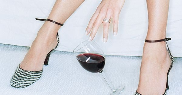 Why my #drinking almost ruined my relationship http://www.brides.com/blogs/aisle-say/2016/09/recovered-alcoholic-relationship-marriage-life-advice.html#utm_sguid=155214,1c10a6aa-303a-4a4d-5ad8-cebadf879059 | #RealBrides #relationships #BridalMagazine #BigDay #inspiration
