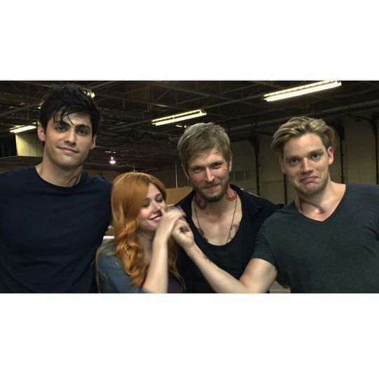 "jon_cor: ""You can pick your friends, sure, but you can't pick your friend's no - "" *cue Sherwood*"