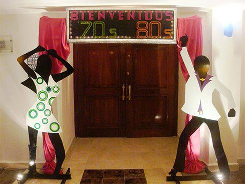 Zubi 1 mami 80 39 s pinterest fiestas a os y cumple for Decoracion 80 anos ipuc