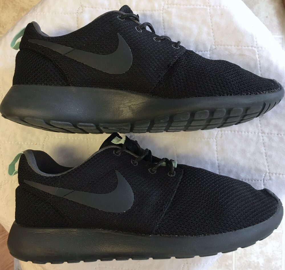 5f23c3e81b6a0 Nike Roshe One Women s Running Shoes Size 8 Black Sneakers 511882 Near Mint  Fly