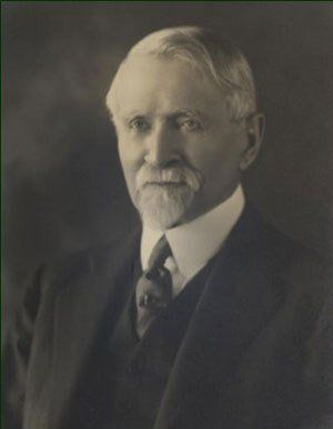 Luis F. Álvarez