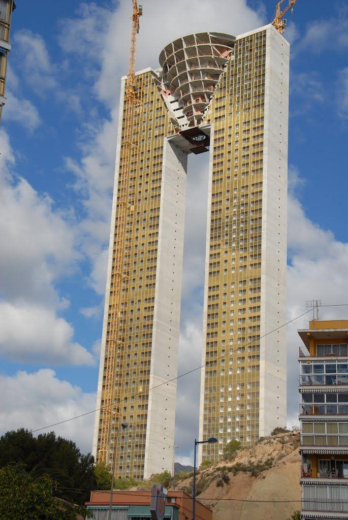 Torre intempo benidorm altura tiene 190 m y 52 plantas for Oficinas la caixa alicante