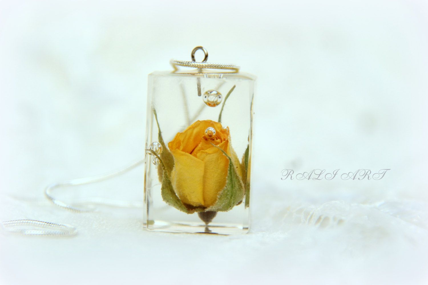 Resin real flower resin pendant pendant rose pendant resin yellow resin real flower resin pendant pendant rose pendant resin yellow rose resin mozeypictures Image collections
