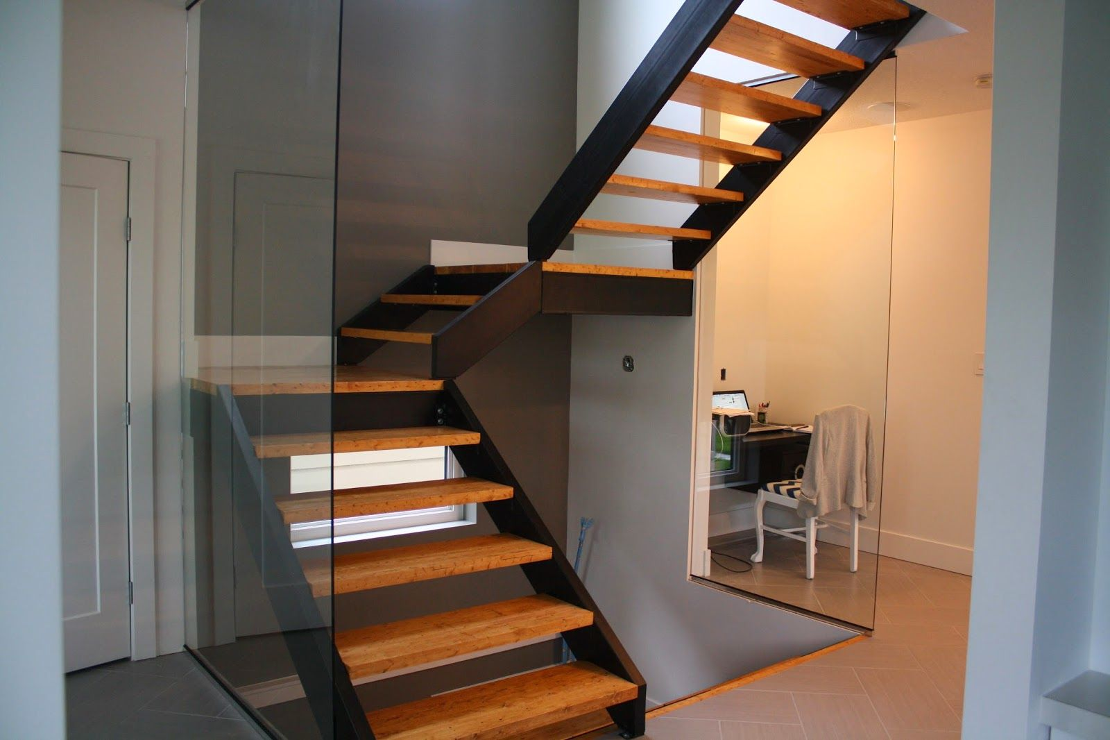 Best Parallam Stairs With Metal Stringer 400 x 300