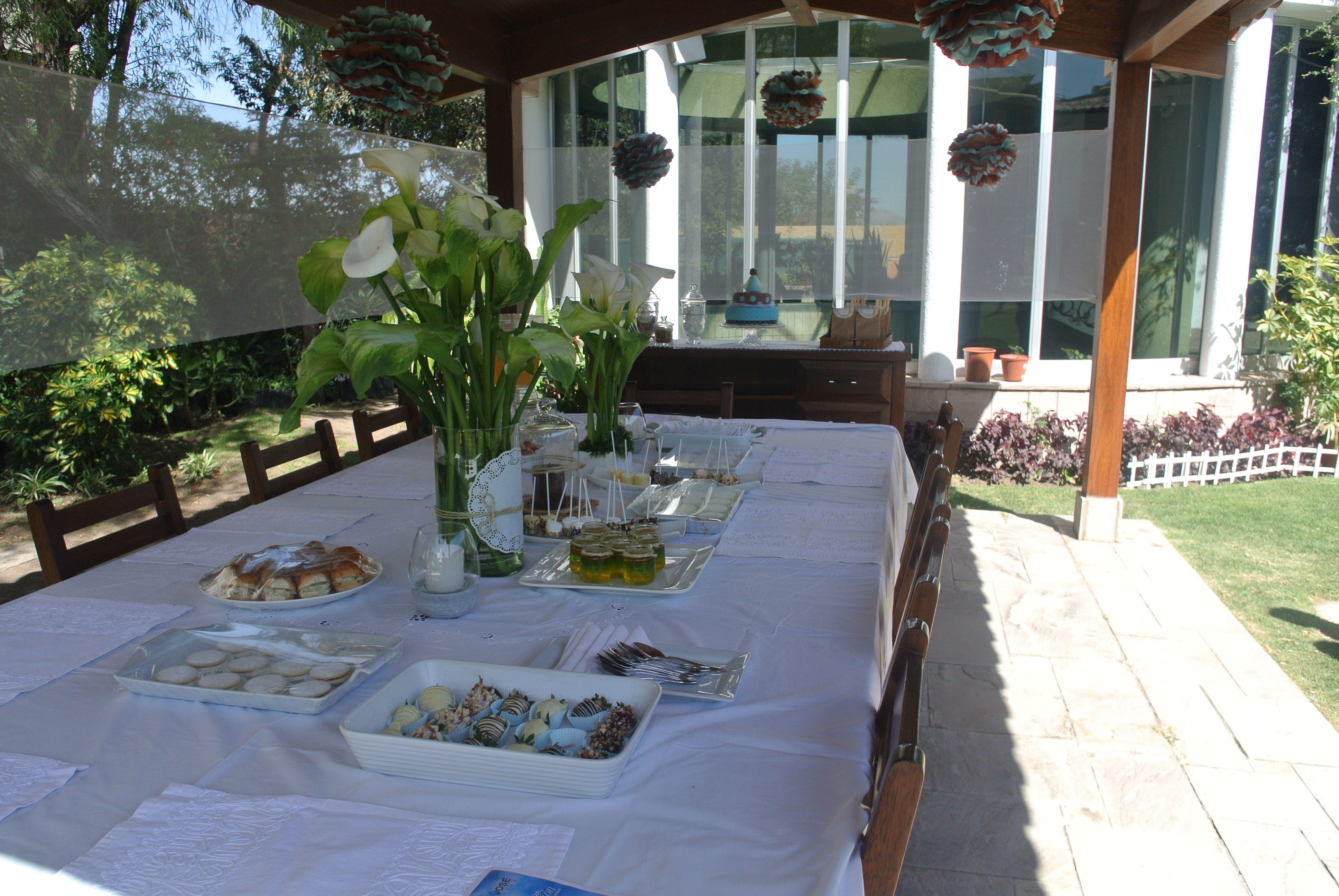 Mesa completa de primera comunion torta recuerdos - Decoracion con pompones ...