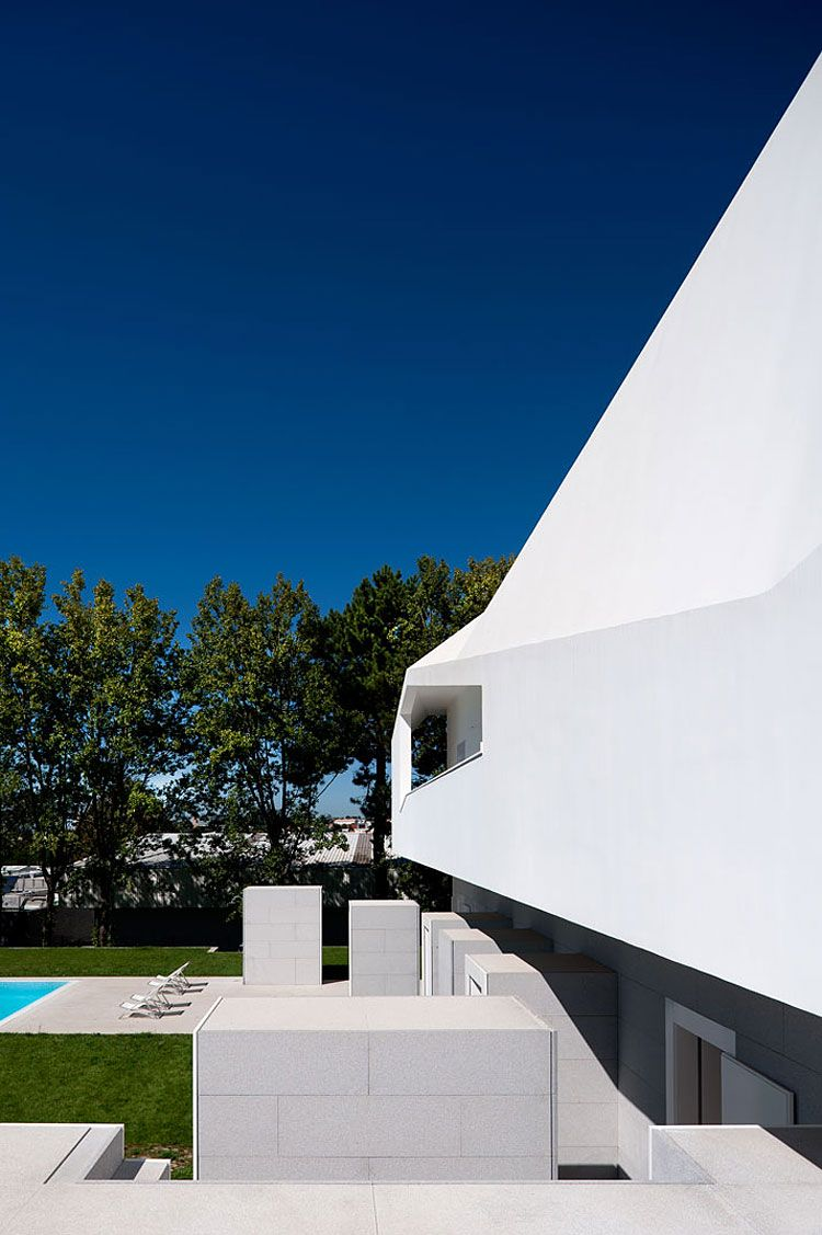 Fez House by Alvaro Leite Siza Vieira Contemporary house