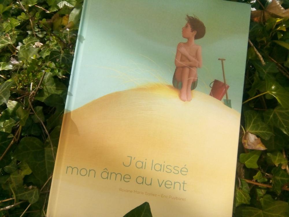 J Ai Laisse Mon Ame Au Vent Un Sublime Album Pour Accompagner Le Deuil D Un Grand Parent Deuil Vent Litterature Enfantine