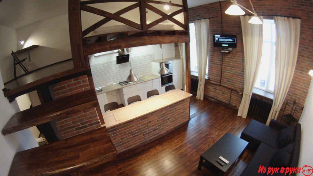 Двухуровневая квартира-студия в стиле лофт в самом центре Бреста.Очень тихая и уютная квартира.Современный ремонт, сделанный в 2016г.Все новое...