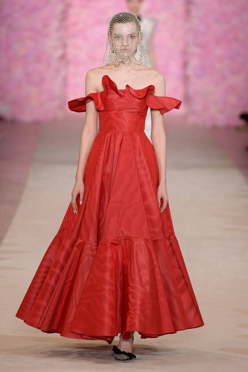 Giambattista Valli Autumn/Winter 2020 Ready-To-Wear -   - #AngelaSimmons #AutumnWinter #CurvyPetiteFashion #Giambattista #ReadyToWear #RedCarpetFashion #SonakshiSinha #Valli