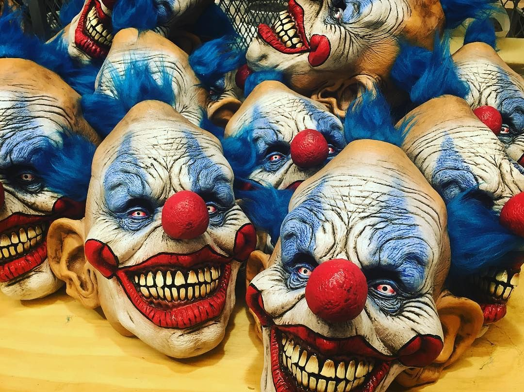 Best 25+ Scary clown prank ideas on Pinterest | Halloween tree ...