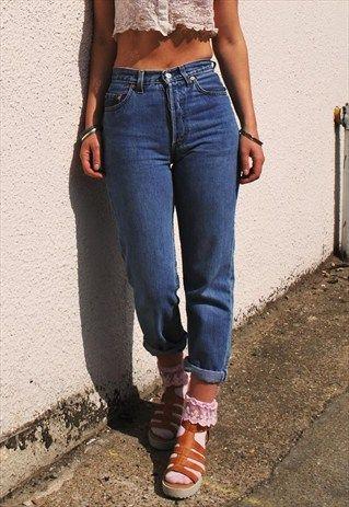 Vintage 90 S Levi S 901 Blue Highwaisted Mom Jeans Happydais Vintage Mom Jeans Mom Jeans Outfit Mom Jeans