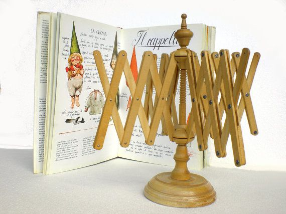 Yarn winder  yarn swift wood vintage 70s retro by KabubaStore, €39.00 For all the Sleeping Beauties :)