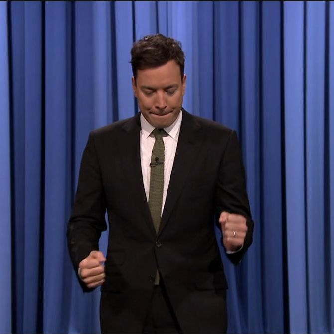 Jimmy Fallon suit look-Black suit-white shirt-Greebl tie-Tonight ...