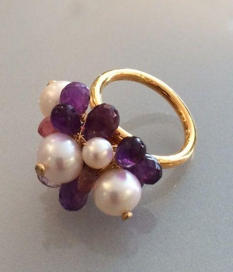 Ring.Forgyldt, med Ametyst og hvide perler