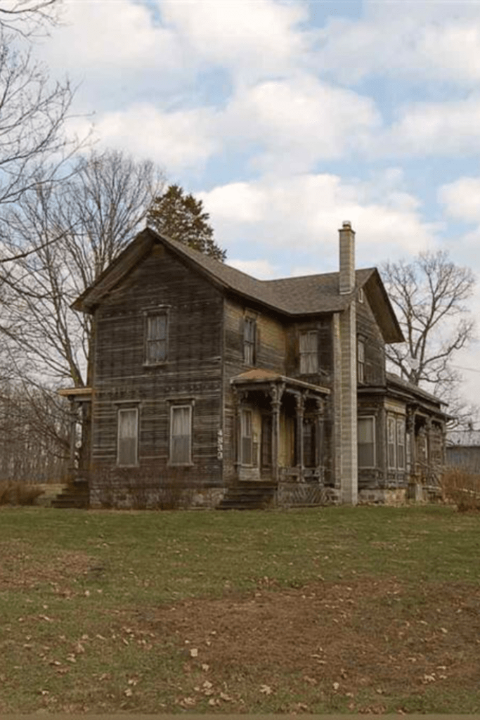 1890 Farmhouse In Spring Arbor Michigan Abandoned houses
