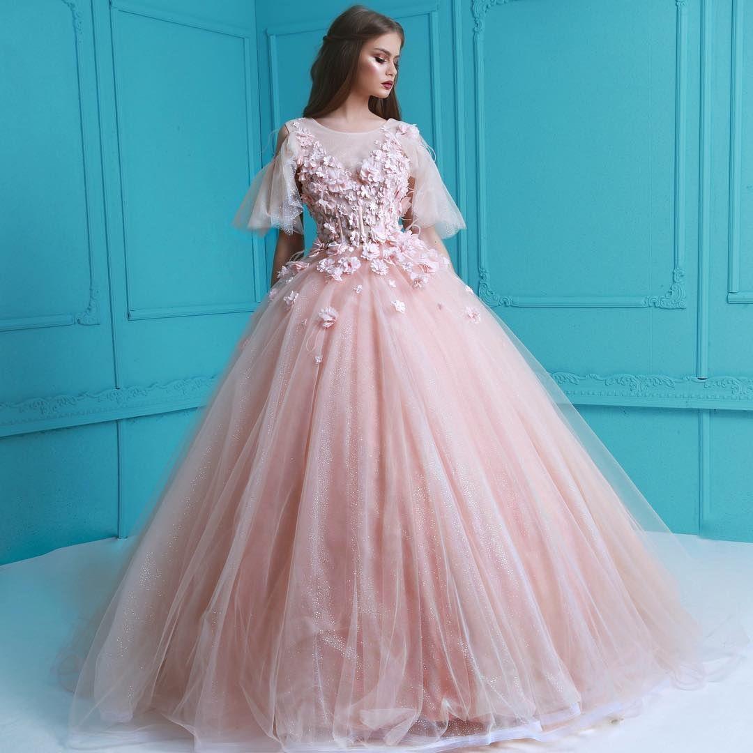 Lena Berisha SS17 | Vêtements/ Clothes | Pinterest | Gowns and Elegant
