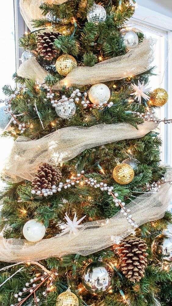 Decorazioni Natalizie Dorate.Idee Per Decorare Un Albero Di Natale Dorato Alberi Di