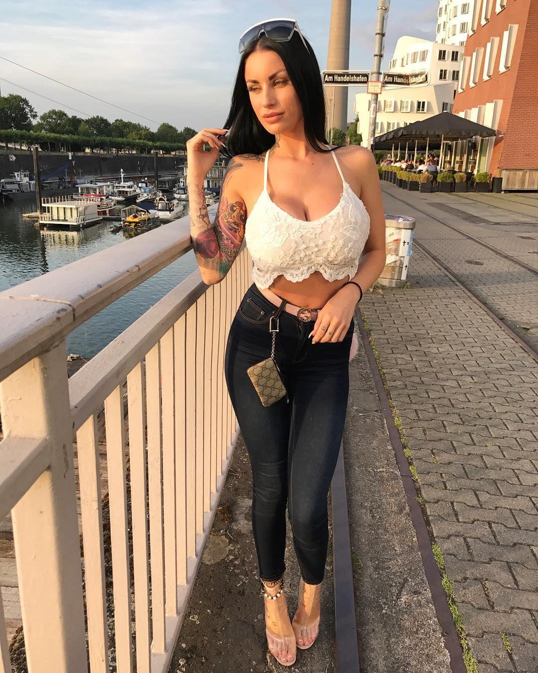 Elisa Sanches - Model page
