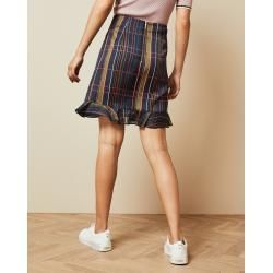 Checked Ted Baker mini skirt -  Checked Ted Baker mini skirt  - #Baker #Checked #KendallJennerOutfits #KimKardashian #mini #skirt #StylingTips #Ted #VictoriaBeckham