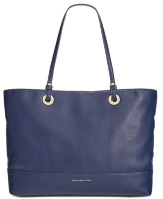 TOMMY HILFIGER Tommy Hilfiger Tote . #tommyhilfiger #bags #leather #hand bags #tote #