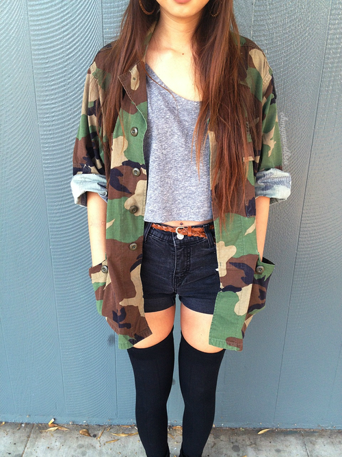 fdf34be89 oversized camo jacket + high waisted shorts + thigh high socks ...