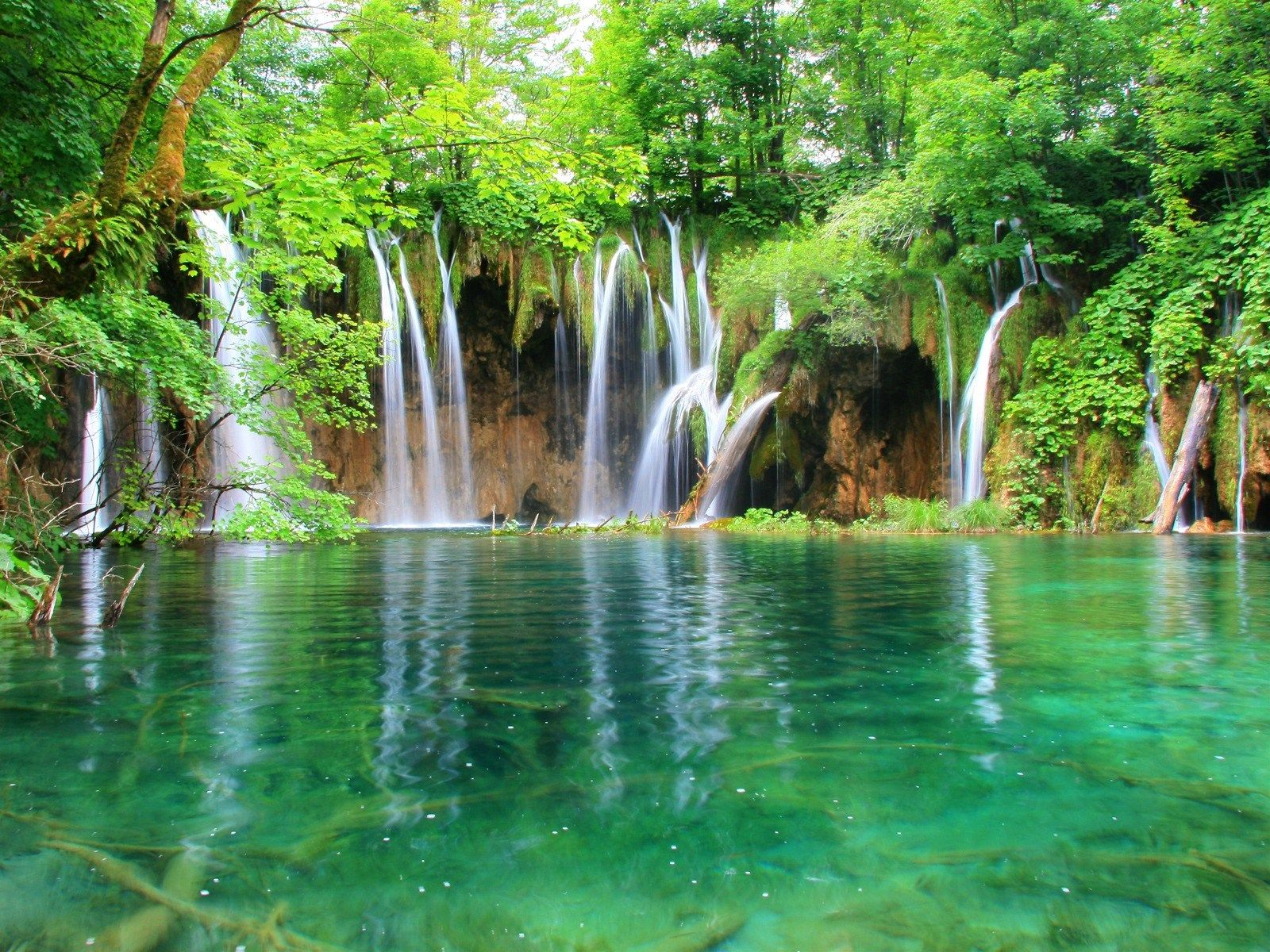 Filename 1600x1200 Waterfall Full Hd Wallpaper Photo Jpg 662 Kb Resolution 1600x Beautiful Vacation Spots Plitvice Lakes National Park Waterfall Wallpaper