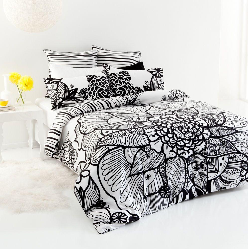 5 pce Black White TRIBAL FLOWER King Size Quilt / Doona