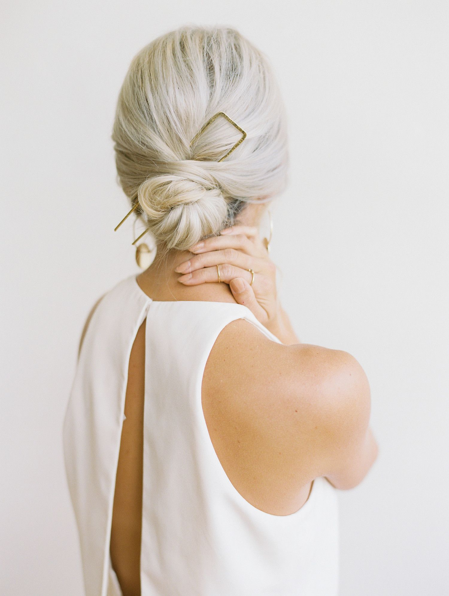 Photo of 20 Ways to Style Your Hair in a Low Bun on Your Wedding Day