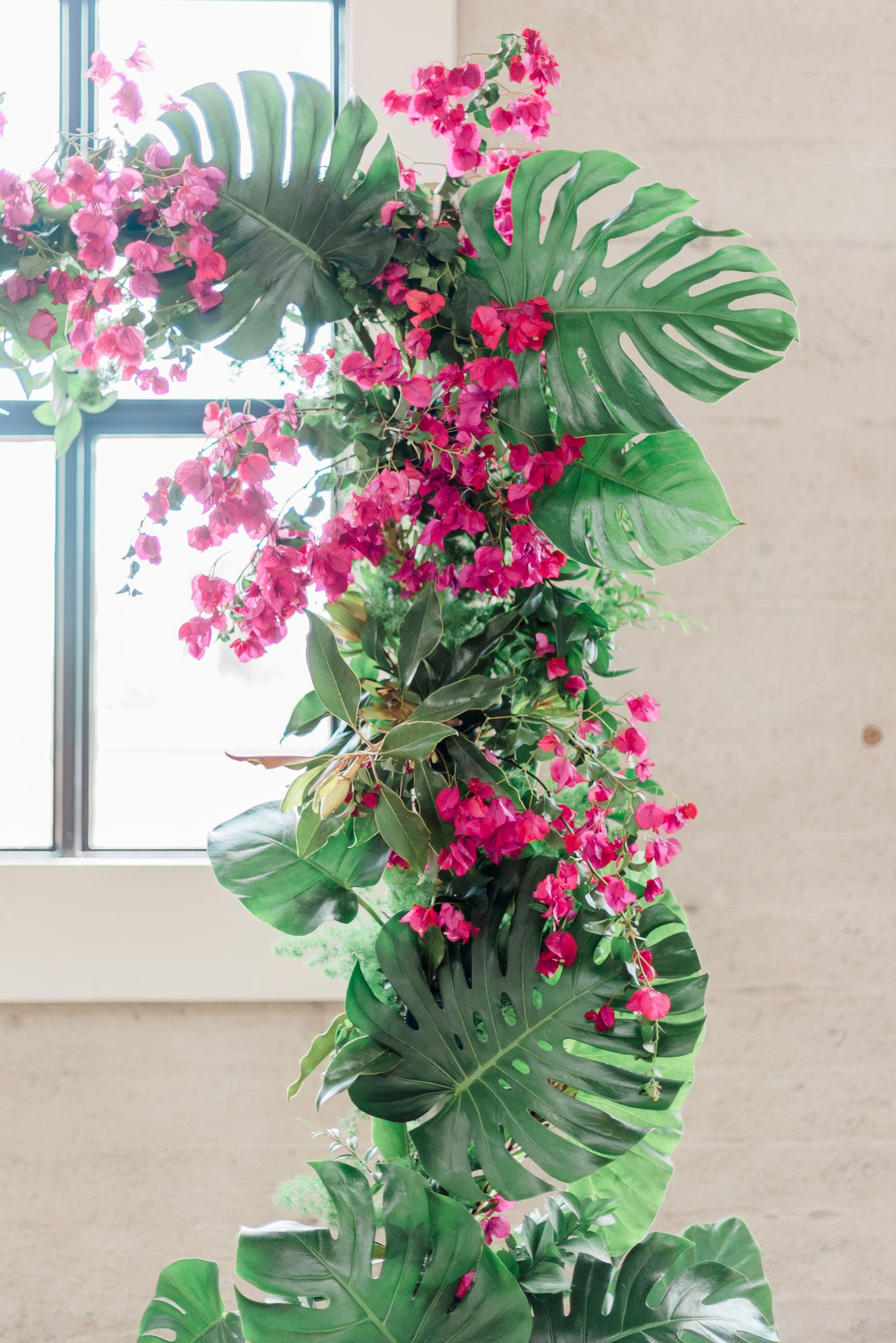 Modern wedding decor images  g  결혼식 참고요ㅇ  Pinterest  Tropical party Event