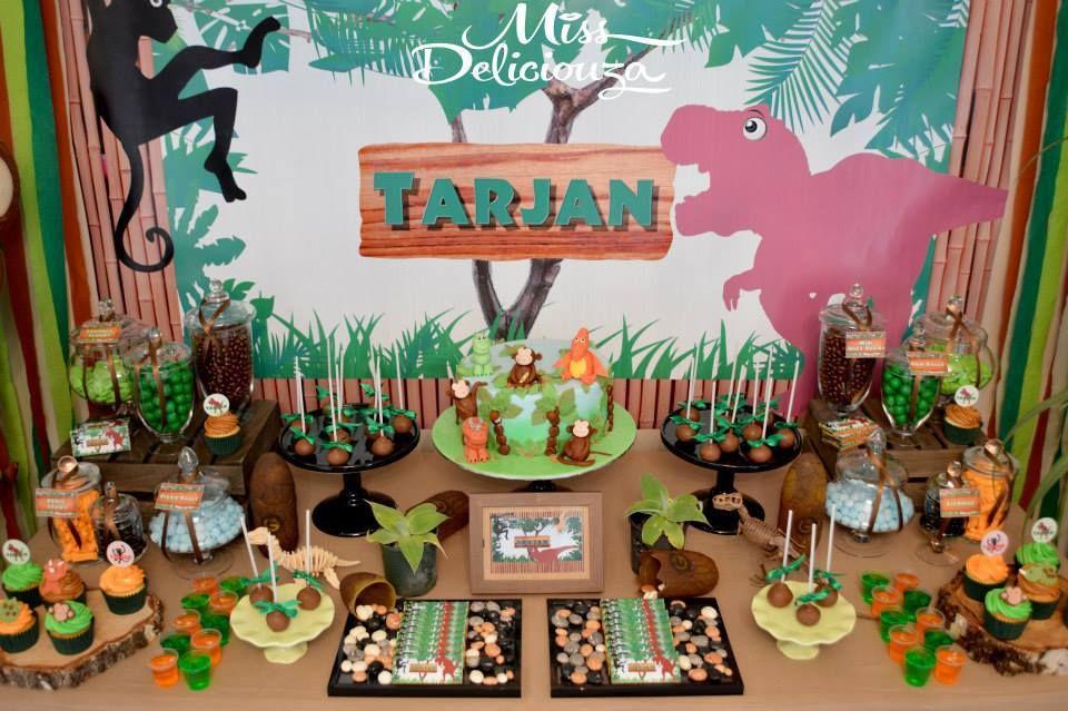DinosaurJungleBirthdayPartyfoodtable1jpg 960639 Leos