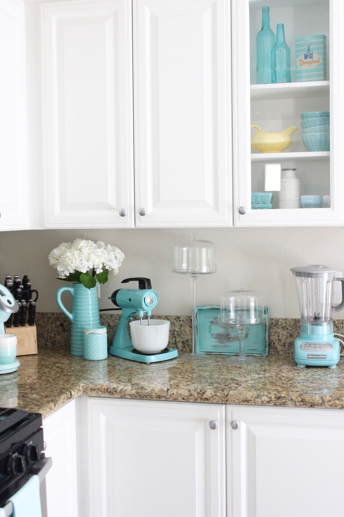There S Just Something Ahhhh About Aqua We Love How Breezydesign Used It In Appliances And Acce Turquoise Kitchen Decor Blue Kitchen Decor Teal Kitchen Decor