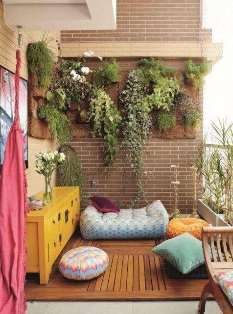 Fachadas con balcones verdes decoraci n de balcones para - Decoracion balcones pequenos ...