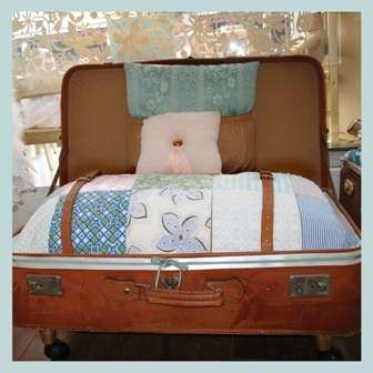 Recycle Your Old Suitcases Into Eco Furniture #DIY Trendhunter.com