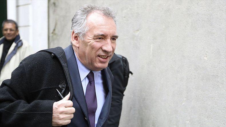 François Bayrou ne sera pas candidat mais propose son alliance à Emmanuel Macron