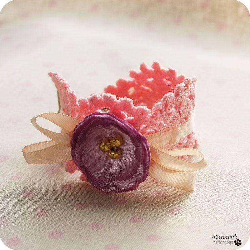 Pink bracelet...  Pulsera rosada tejida...