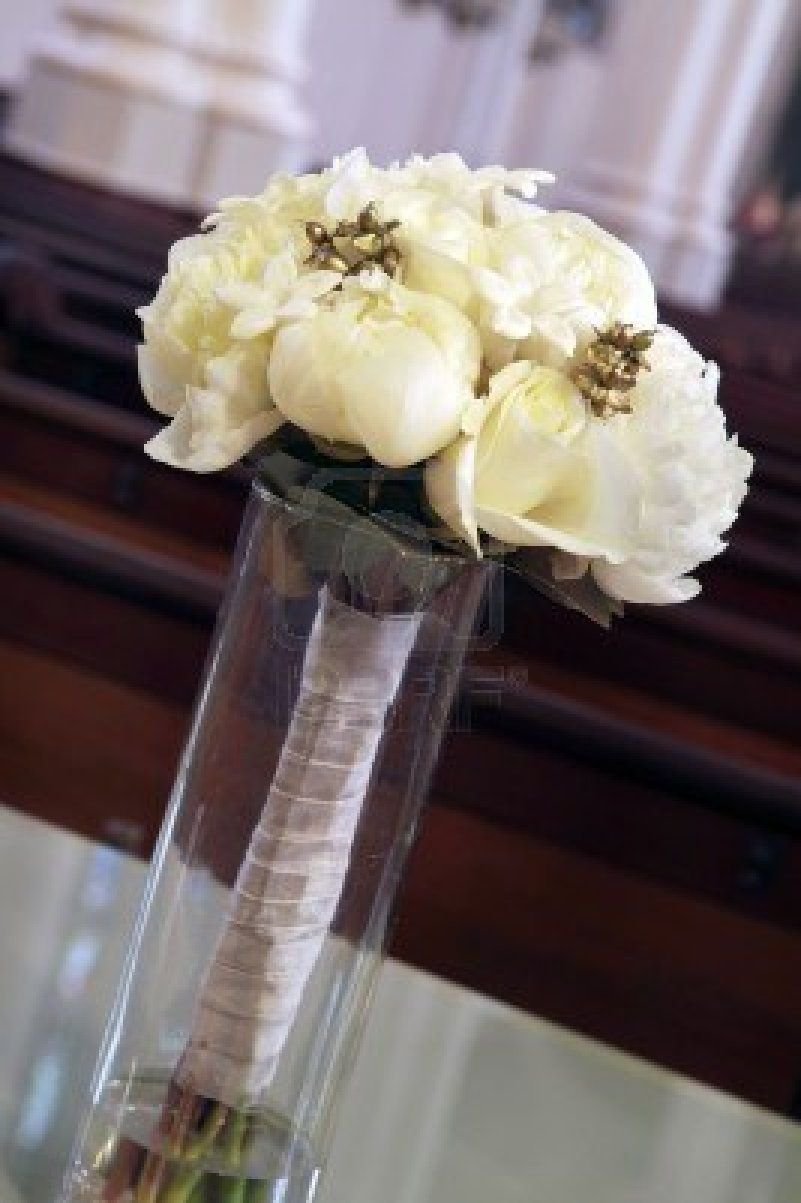 white flower table decorations - Google Search
