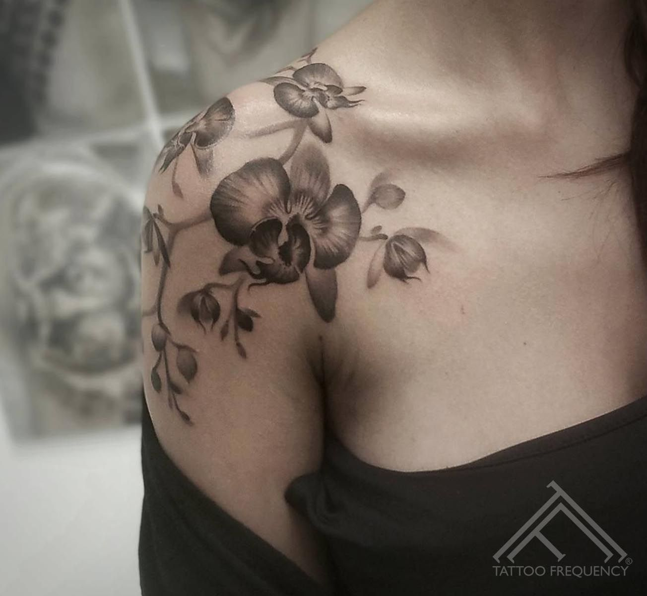 Freshly Done Black And Gray Orchids On Womans Shoulder Artist Janis Svars Orchid Tattoo Orchidtattoo Flower Tattoo Shoulder Shoulder Tattoo Orchid Tattoo